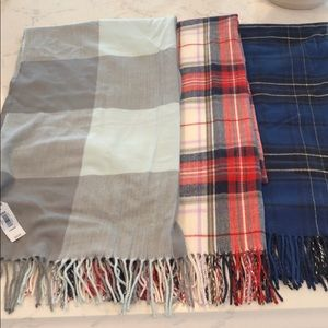 Three gap scarves NWT